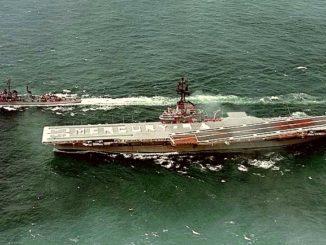 USS Kearsarge (CVS-33) in 1963. Public domain.